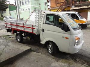 Caminhão HR 2.5 Diesel. Turbinado. Carroceria de madeira - Caminhões, ônibus e vans - Largo da Batalha, Niterói | OLX