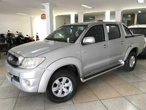 Toyota Hilux STD 2.5 4X4 CD