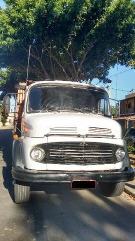 Caminhão MB  - Caminhões, ônibus e vans - Santo Amaro De Campos, Campos Dos Goytacazes, Rio de Janeiro | OLX