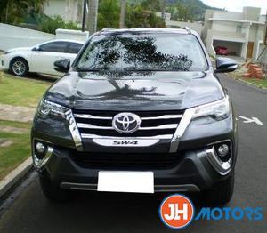 Toyota hilux sw4 2.8 srx 4x4 7 lugares 16v turbo intercooler diesel 4p automatico  - Carros - Vilar Dos Teles, São João de Meriti | OLX