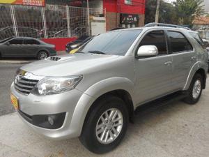 Toyota Hilux SW4 diesel 4X4 com 7 lugares,  - Carros - Campinho, Rio de Janeiro | OLX