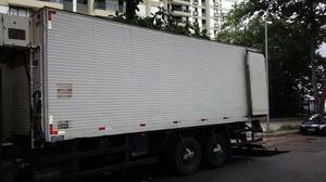 Bau frigorífico truck - Caminhões, ônibus e vans - Parque Senhor do Bonfim, Duque de Caxias   OLX