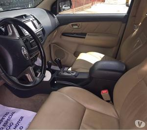 TOYOTA HILUX SW4 3.0 SRV Diesel 4X4 7 LUG. Autom.
