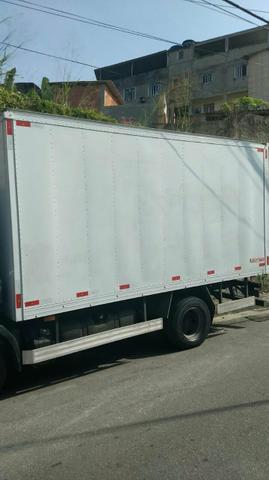 Vendo baú 4,50 muito novo - Caminhões, ônibus e vans - Conselheiro Josino, Vila Nova De Campos, Campos Dos Goytacazes | OLX