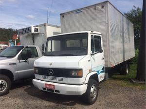 Caminhão Mercedes Benz 710 Baú - Caminhões, ônibus e vans - Jacaré, Cabo Frio | OLX