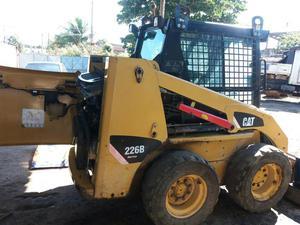 Minicarregadeira (bobcat) 226b - Caminhões, ônibus e vans - Paraíso, Nova Iguaçu | OLX