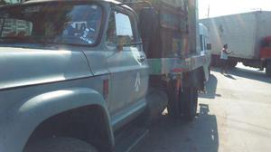 Caminhão poliguindaste chevrolet - Caminhões, ônibus e vans - Vigário Geral, Rio de Janeiro   OLX