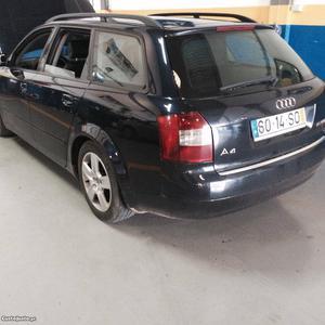 Audi A4 Avant 1.9 TDI 130 CV Novembro/01 - à venda -