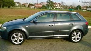 Audi A3 Sportback 1.6 Attraction Abril/06 - à venda -