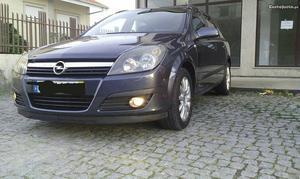 Opel astra caravan CDTI Abril/06 - à venda - Ligeiros