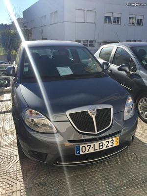 Lancia Ypsilon  Novembro/10 - à venda - Ligeiros