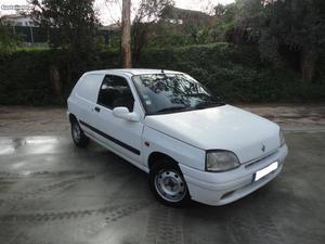 Renault Clio 1.9d Avariado Agosto/96 - à venda - Comerciais