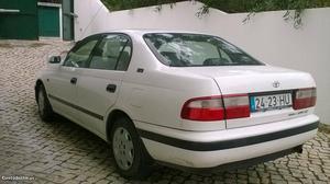 Toyota Carina 1.6 i classy Janeiro/97 - à venda - Ligeiros