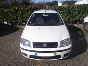 Fiat Punto MultiJet Setembro/04 - à venda - Ligeiros