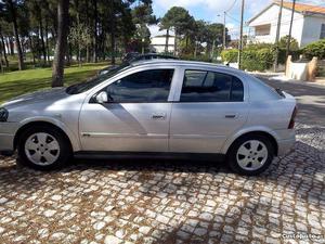Opel Astra Astra g Abril/03 - à venda - Ligeiros