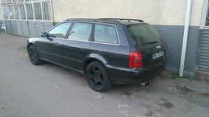 Audi A4 avant Maio/96 - à venda - Ligeiros Passageiros,