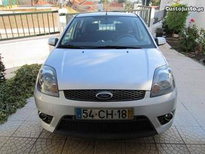 Ford Fiesta 1.25 trend Outubro/06 - à venda - Ligeiros