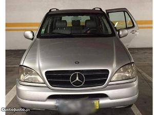 Mercedes-Benz ML 270 Ml 270 CDI Novembro/01 - à venda -
