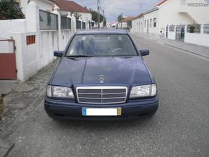 Mercedes-Benz C 220 Diesel Novembro/94 - à venda - Ligeiros