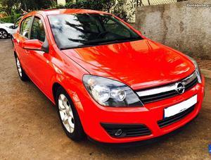 Opel Astra 1.7 CDTi Cosmo Janeiro/06 - à venda - Ligeiros