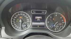 Mercedes-Benz A 180 gla 180 Março/15 - à venda -