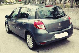 Renault Clio Confort Setembro/12 - à venda - Ligeiros