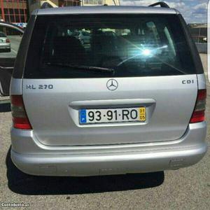 Mercedes-Benz ML 270 cdi Maio/01 - à venda - Pick-up/