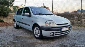 Renault Clio 1.6 Initiale km Agosto/99 - à venda -