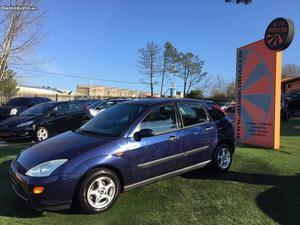 Ford Fiesta 1.4 Ambiente Junho/00 - à venda - Ligeiros