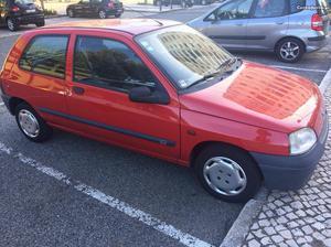 Renault Clio Chipie Fevereiro/98 - à venda - Ligeiros