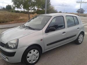 Renault Clio v Expression Agosto/02 - à venda -
