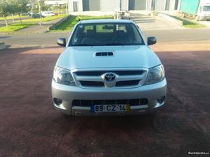 Toyota Hilux 4X2 Fevereiro/07 - à venda - Pick-up/