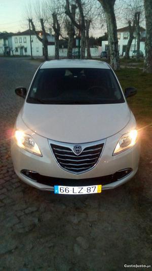 Lancia Ypsilon 1.2 start/stop Gold Março/11 - à venda -