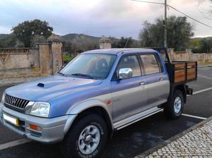 Mitsubishi L200 strakar 4x4 Agosto/99 - à venda - Pick-up/
