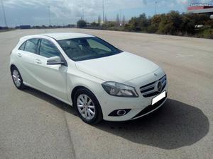 Mercedes-Benz A 180 A 180 CDI Janeiro/14 - à venda -