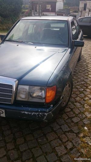Mercedes-Benz E 300 E 300 d 6 cilindros Fevereiro/87 - à