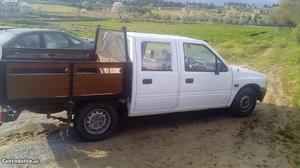 Opel Campo 2.5 D Setembro/93 - à venda - Pick-up/