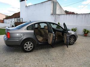 VW Passat Passat Março/99 - à venda - Ligeiros