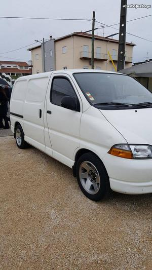 Toyota HiAce 3 lug Fevereiro/98 - à venda - Comerciais /