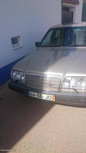 Mercedes-Benz E 300 E 300 d 6 cilindros Junho/89 - à venda