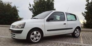 Renault Clio Dci Abril/04 - à venda - Comerciais / Van,