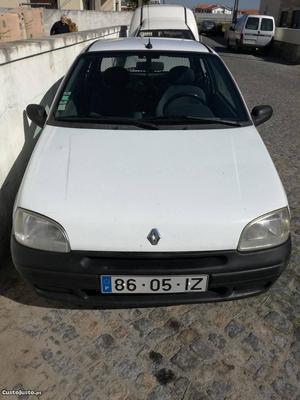 Renault Clio Renault Clio Setembro/97 - à venda -