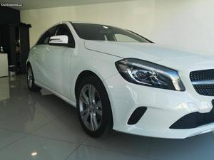 Mercedes-Benz A 180 Urban cdi Março/16 - à venda -