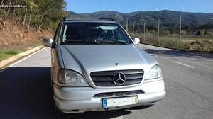 Mercedes-Benz ML 270 cdi Dezembro/00 - à venda - Monovolume