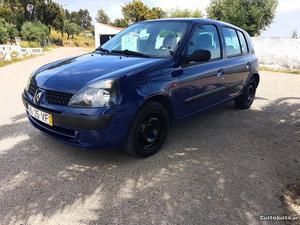 Renault Clio v Expression Junho/03 - à venda -