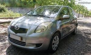 Toyota Yaris 1.0 VVT-i SOL AC Dezembro/06 - à venda -