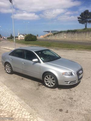 Audi A4 nacional 140cv 2.0 Junho/05 - à venda - Ligeiros