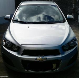 Chevrolet Aveo Sport Outubro/13 - à venda - Ligeiros