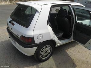 Renault Clio 1.2 monoponto Junho/97 - à venda - Ligeiros