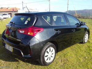 Toyota Auris Comfort 1.4 D-4D 5/P Maio/13 - à venda -